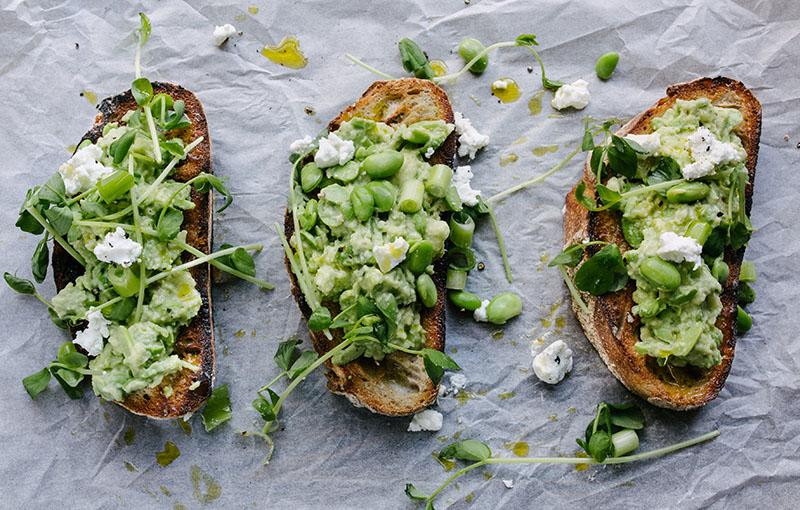 3 toasts aux fromages et fèves