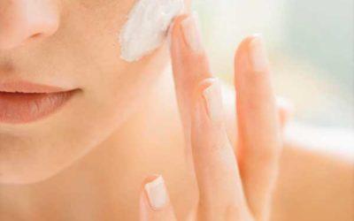 Nettoyez votre peau tout en douceur grâce à ce gommage à l'Aloe Vera visage